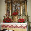 Oltar Svetega Jožefa z rdečimi nageljni/L'altare di San Giuseppe coi garofani rossi