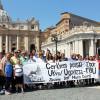 Pred baziliko Svetega Petra/Davanti alla Basilica di San Pietro