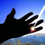 Svet potrebuje luči svete noči_<em>Il mondo ha bisogno della luce della notte santa</em>