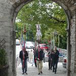 Ruomanje na Staro Goro_<em>Pellegrinaggio a Castelmonte</em>