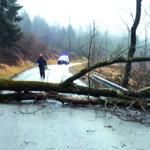 Veter v Tipani, led v Terskih dolinah_<em>Vento a Taipana, ghiaccio in Val Torre</em>