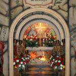 Božji grobovi oznanijo Veliko noč_<em>I Sepolcri annunciano la Pasqua</em>